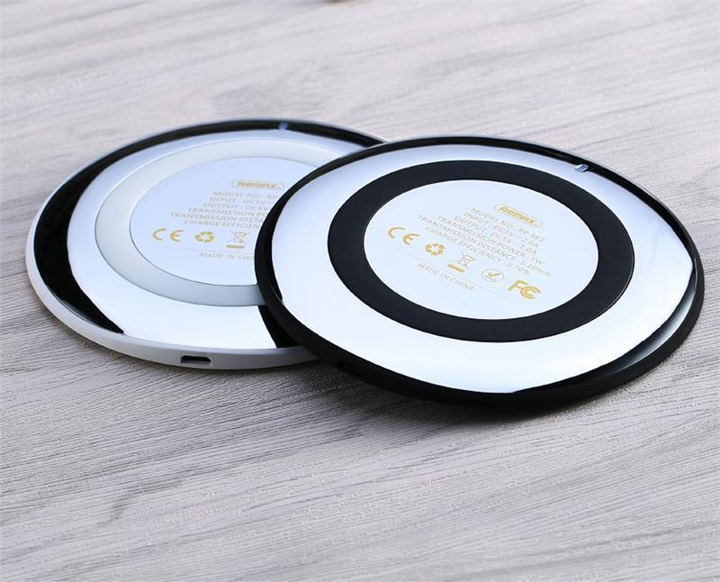 Беспроводное зарядное устройство Remax Wireless Flying Saucer 10W White фото