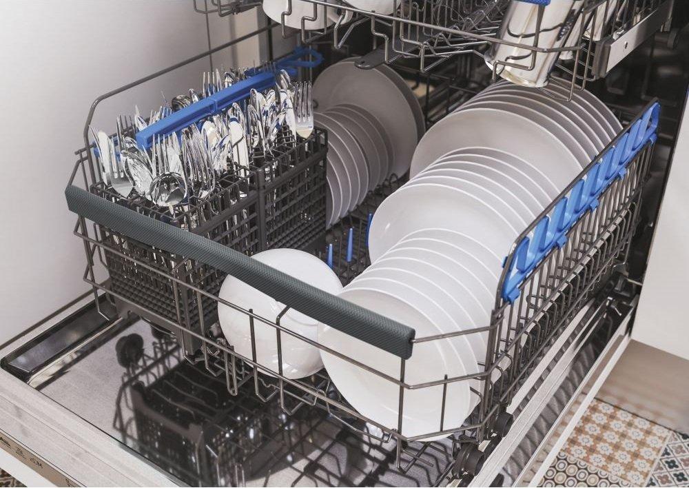 Встраиваемая посудомоечная машина Candy CDIMN2D622PB фото