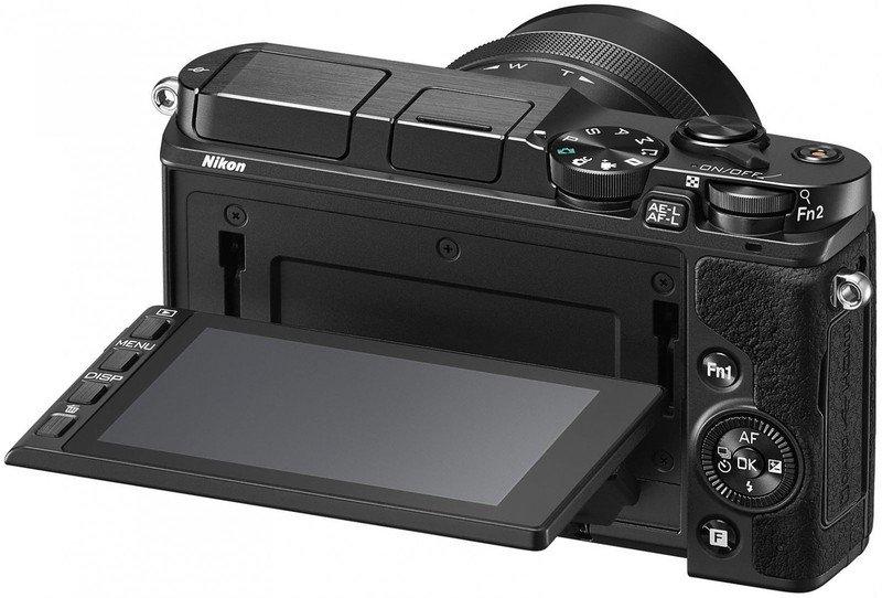 Лучший фотоаппарат с поворотным дисплеем обязательно