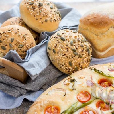 Домашній хліб в духовці – 8 цікавих рецептів