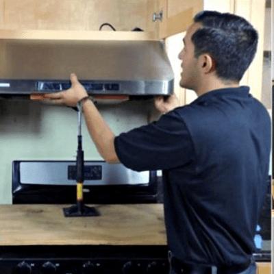 Гайд в 6 разделах о плоских вытяжках для кухни – обзор, особенности выбора и установка в 3 этапа