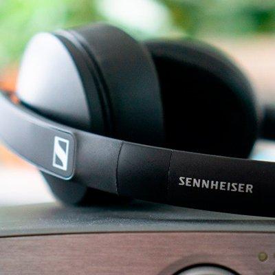 Sennheiser HD 300: огляд навушників, які в 4 рази дешевше професійної версії
