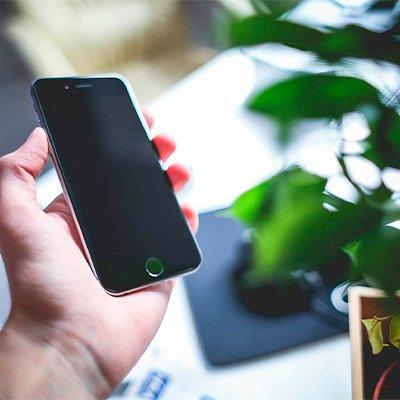 Перезавантажується телефон: 6 частих причин і розв'язання проблеми