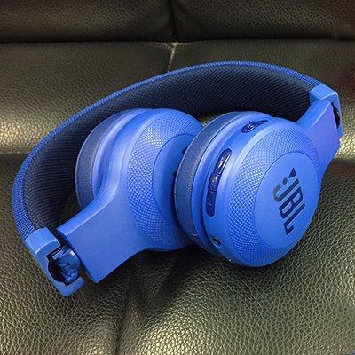 JBL E45BT: огляд класичних накладних навушників або 5 складових успіху