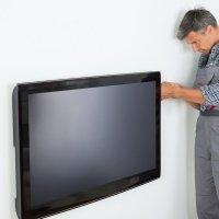 """MOYO Монтаж телевізора більше 60 """"на стіну"""