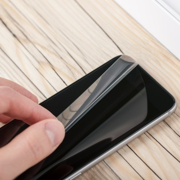 Услуги MOYO Наклейка защитной пленки Интернет планшеты фото