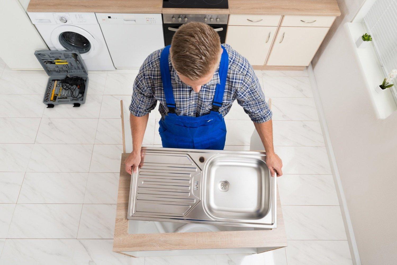 Отверстие под смеситель в керамической мойке фото 1