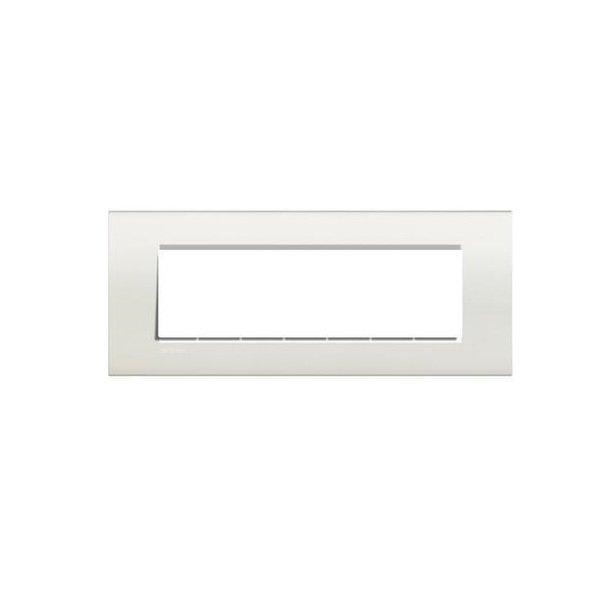 Купить Опции к пассивному сетевому оборудованию, Рамка Legrand Bticino LivingLight 7 модулей, Белый