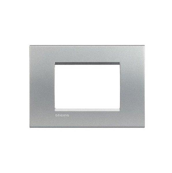 Купить Опции к пассивному сетевому оборудованию, Рамка Legrand Bticino LivingLight 3 модуля, Алюминий