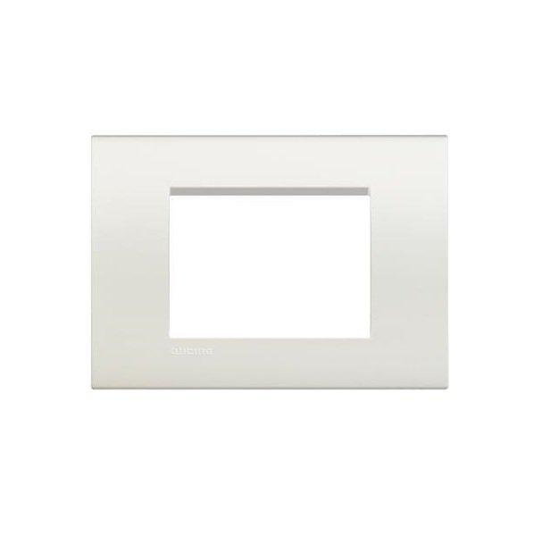 Купить Опции к пассивному сетевому оборудованию, Рамка Legrand Bticino LivingLight 3 модуля, Белый