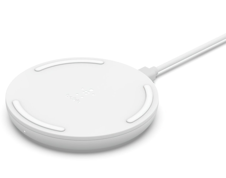 Беспроводное зарядное устройство Belkin Pad Wireless Charging Qi, 10W, no PSU, white фото 1