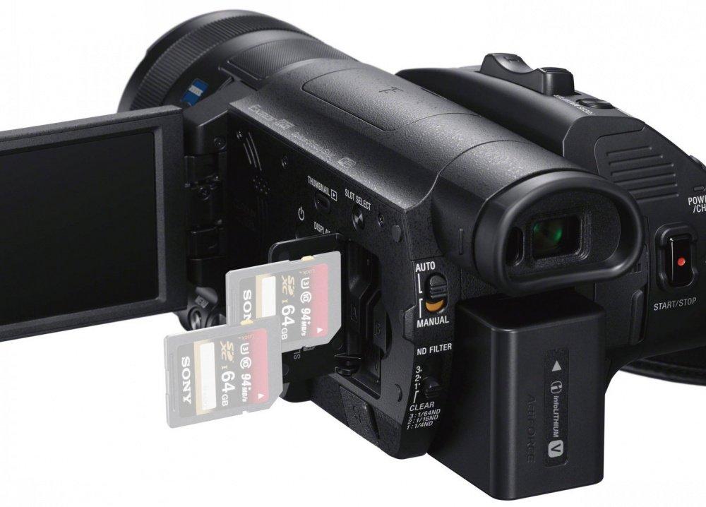 Видеокамера SONY FDR-AX700 Black